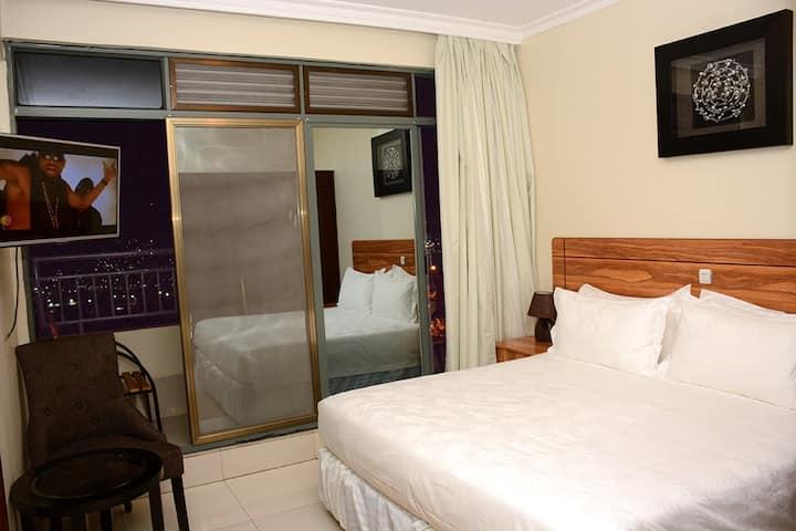Deluxe Room (La Posh Hotel)