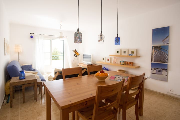 Lovely Apartment by the Beach in Altura, Algarve