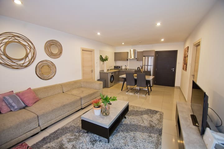 Clifton Gallery RN, 2 Bedroom Apt by Brown's Abode