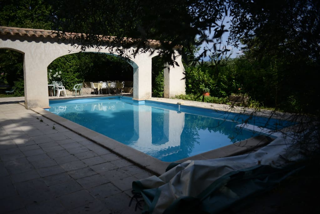 Big Flat In Old Provence House With Swimming Pool