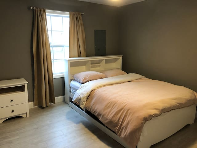 Private Room in New Home near NYC FERRY/BUS/TRAIN