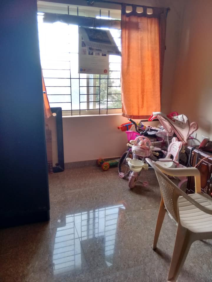 Single Room in a peaceful locality