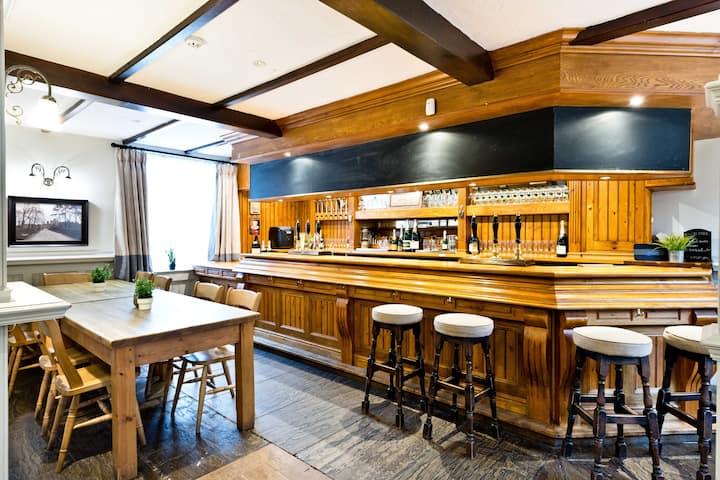 The Crewe & Harpur   Exclusive Use of Village Pub
