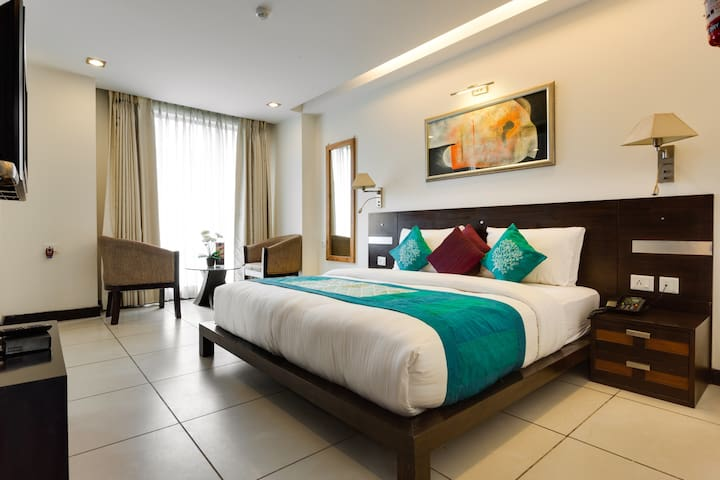 RM 3- Luxury Guesthouse Suncity - Gurgaon - Bed & Breakfast
