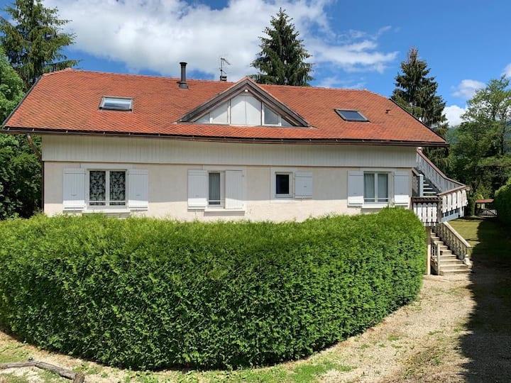 Appartement proche du lac 25 min d'Annecy