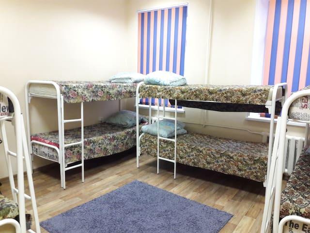 БМ-Хостел - кровать в общем 8-ми местном номере