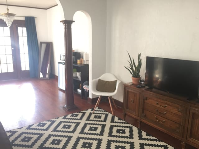 Charming Apartment in Algiers Point