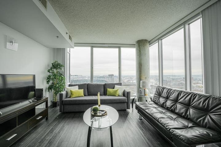 Downtown 2BR Apartment near Convention Center