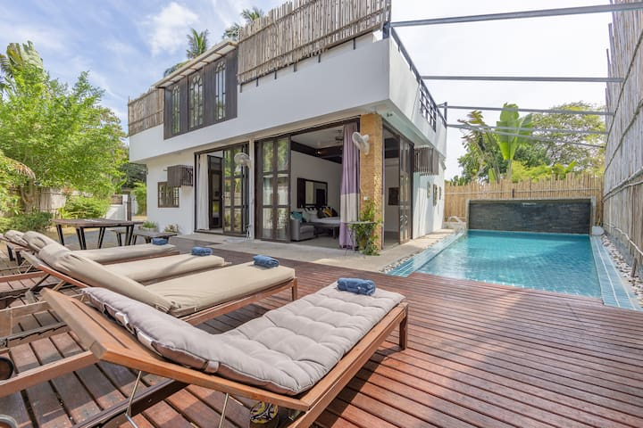3 Bed Private Pool Villa Sairee, Walk to the Beach