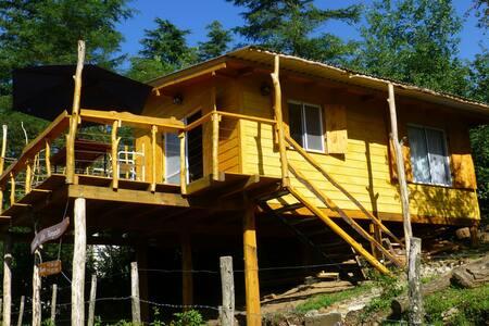 Cabaña en las sierras frente al río - Intiyaco - Chatka