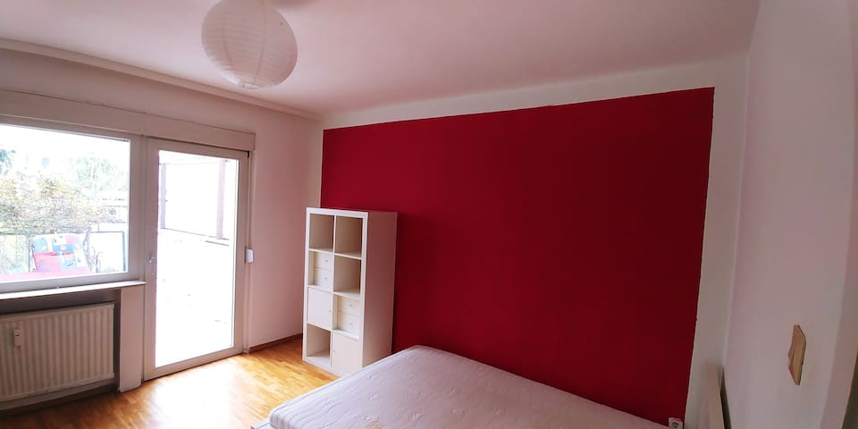 Private room with terrace,garden & shared bathroom - Frankfurt am Main - Apartamento