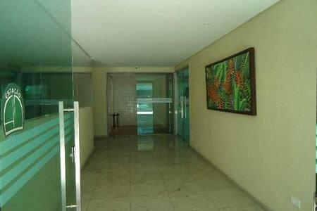 QUARTO EM EDF. AREA CENTRAL / OLINDA, PROX A PRAIA - Olinda - Appartement