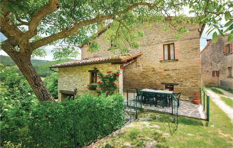 Holiday cottage with 3 bedrooms on 150m² in Mercatello S.M. PU