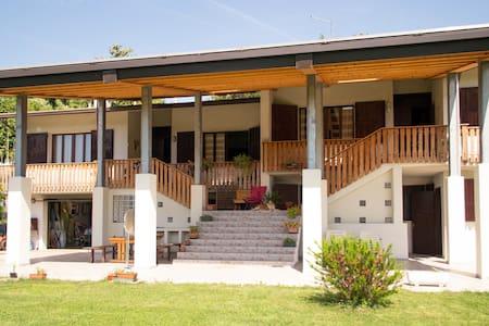 Monolocale in villa zona collinare - Mussolente - Bed & Breakfast