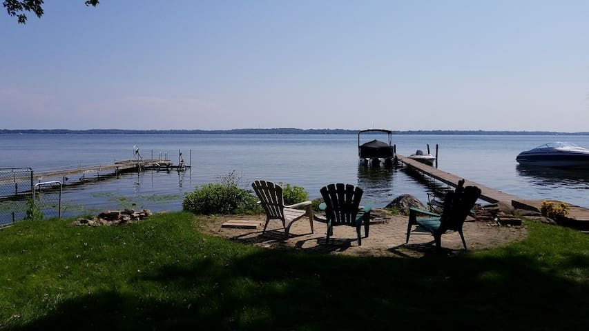 Waterfront home/Cooks Bay Lake Simcoe, 45min-GTA