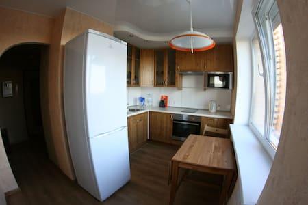 Уютная квартира рядом с метро - Санкт-Петербург - 公寓