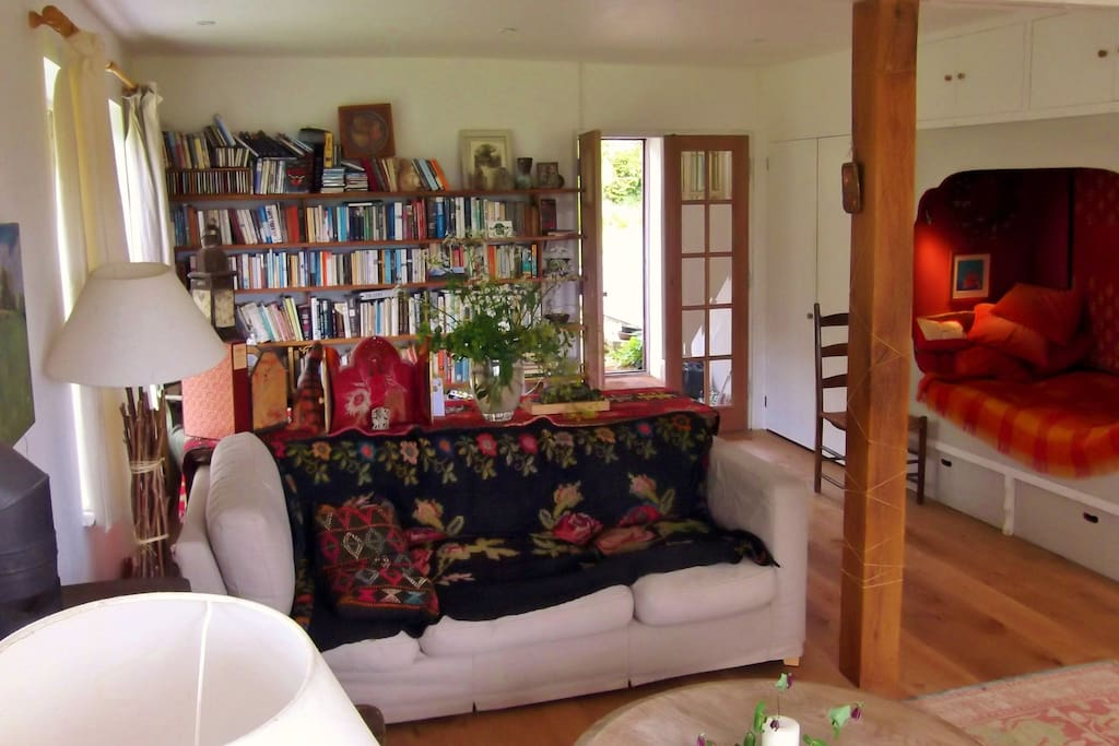 Sitting room with library and daybed