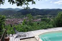 La vue sur Le Vigan depuis la piscine