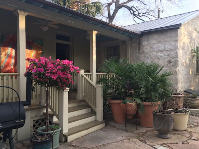Historic Briam Cottage Near Alamo. - San Antonio - Hus