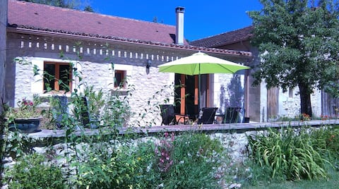 The Chai, a lovely wine barn close to Bergerac