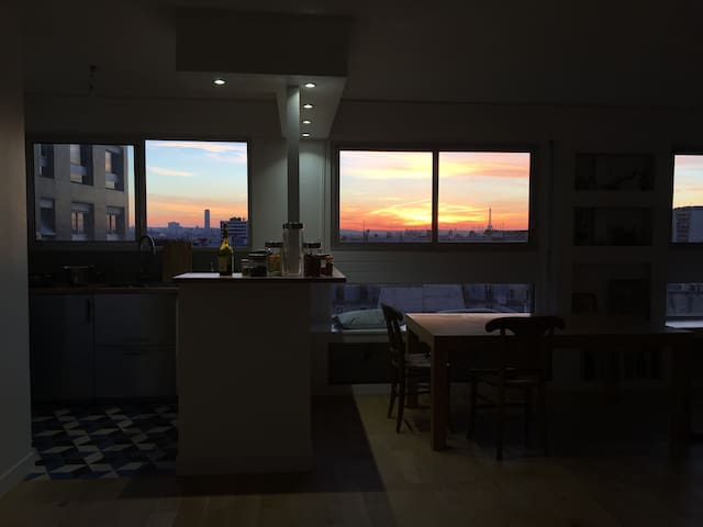 Spacious Room & Amazing View!
