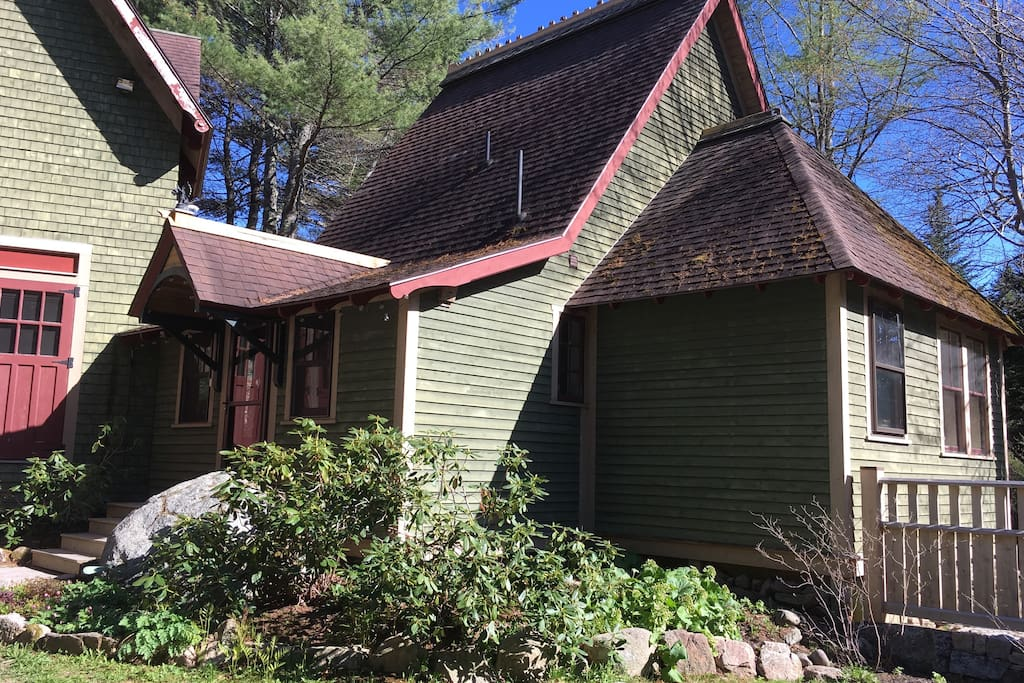 Custom built cottage in Bar Harbor on Mount Desert Island, Maine. Cottage is attached to renovated boat shop (only cottage is for rent).