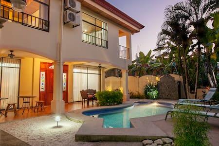 Playa Hermosa Villa w/ private pool - Playa Hermosa - Villa