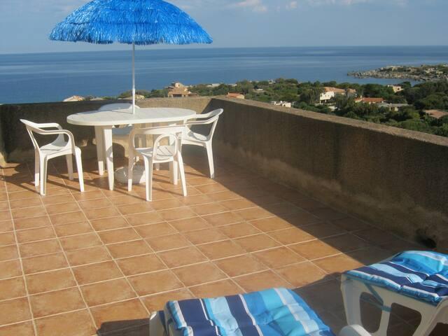 La même terrasse de 20m² sous un autre angle.