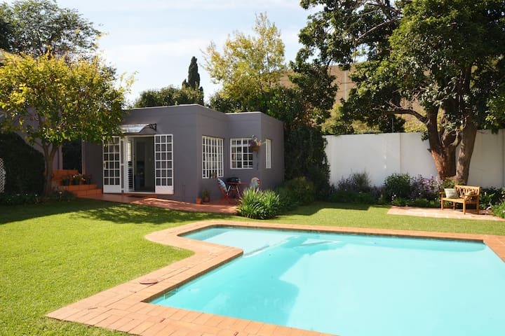 Stylish bright garden cottage - Johannesburg - Wohnung