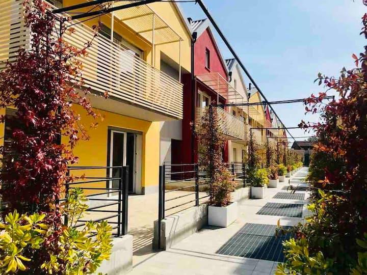Intero appartamento o Camera privata con terrazzo