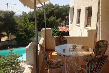 Cosy apartment with lovely view - Rafina - Apartemen