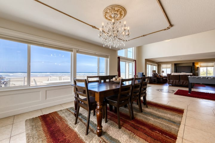 Classy, dog-friendly & oceanfront home w/ ocean views in an amazing location!