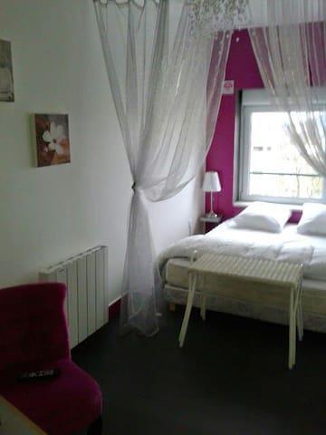 Chambre 2 personnes en Bourgogne V - Mâcon - Bed & Breakfast