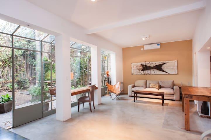 Casa con jardin en palermo soho houses for rent in for Amapola jardin de infantes palermo