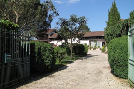 Rosalie 1830 Détente assurée - Villecomtal-sur-Arros