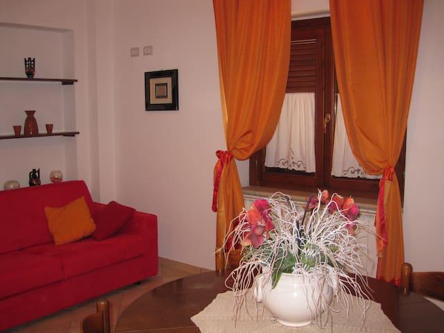 La casetta arancione - Stroncone - House