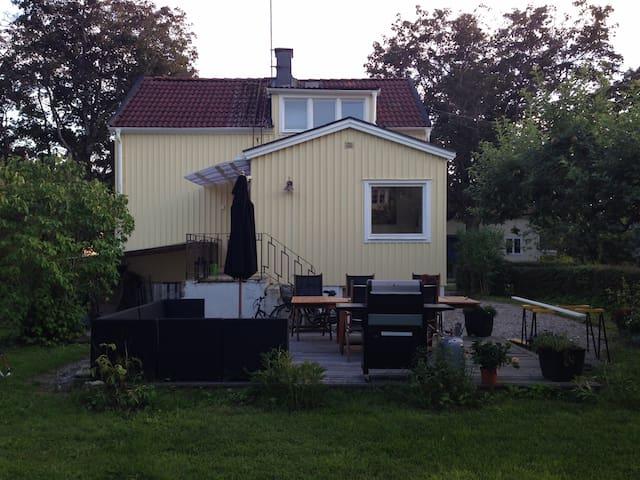 Charming house close to Stockholm - Estocolmo - Casa