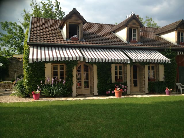 Ma maison de charme à la campagne - Fleurey-sur-Ouche - Hus