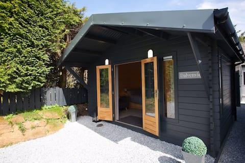 Dalvenvie log cabin