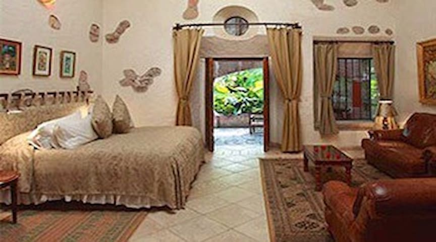 Beautiful Historic Hacienda - Amacuzac - Bed & Breakfast