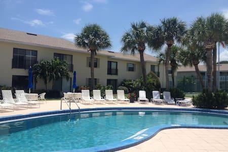 Condo for Rent in Beautiful Vero Beach Florida - Indian River Shores - Lägenhet