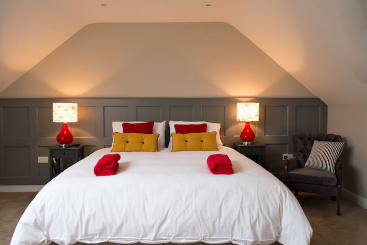 John R's Luxury Bed & Breakfast - Listowel - Bed & Breakfast