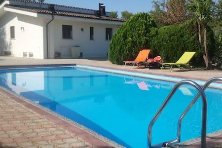 Villa Gaby con piscina Specchia Salento - Specchia  (Lecce)