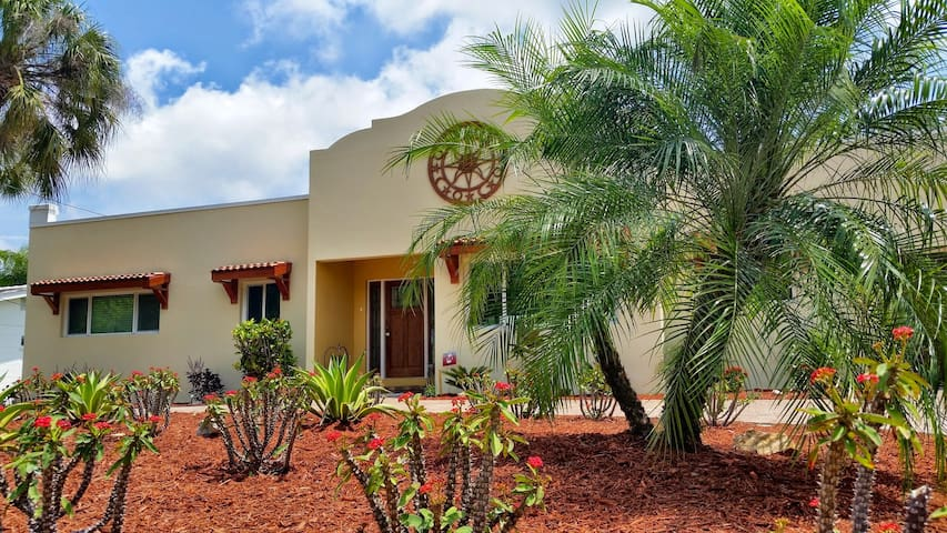 Spectacular Waterfront View with Total Privacy - Sarasota - Talo