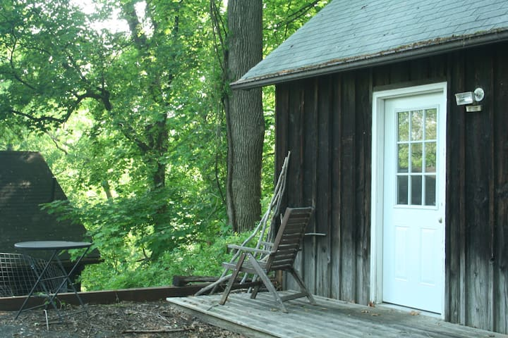 Quiet Guest House In Woodsy Village - Stony Point - Pis