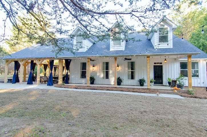 Cozy Carriker Cottage RENOVATED/NEW in Mint Hill