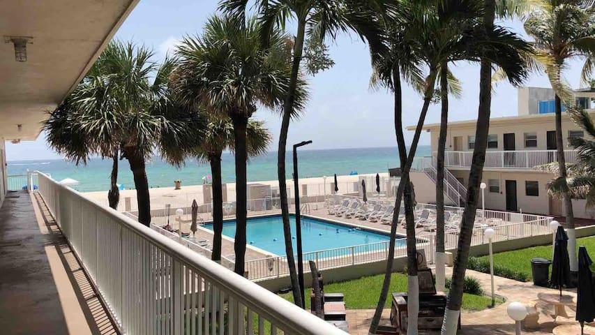 Miami Beach Club  Sunny Isles Beach