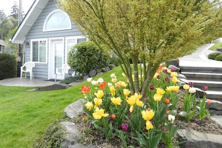 Waterfront Guest Cottage - Gig Harbor - Maison