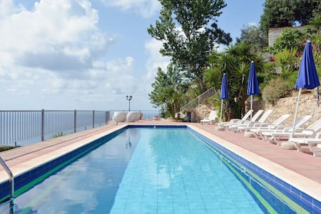 Holiday Home, Pool, Garden, View! - Tropea - Casa de camp