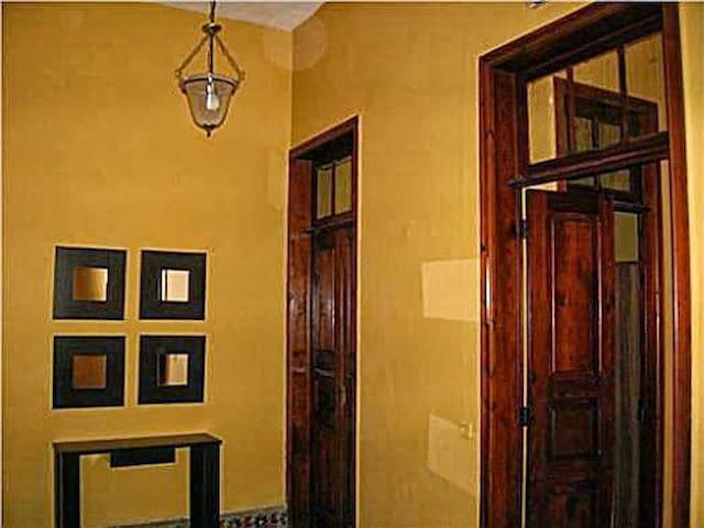 Casa con Encanto en Centro Pueblo. - Comarca Oeste